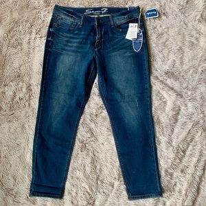 *NWT* Seven7 Girlfriend Jeans
